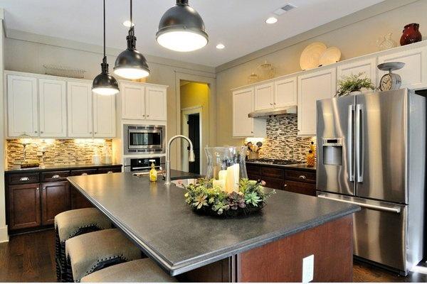 1. Chất liệu tuyệt vời của quầy bếp: đá granite
