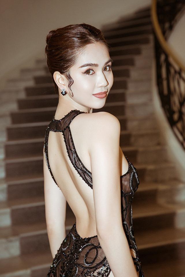 Sau 'bão tố' ở Cannes, Ngọc Trinh trở về Việt Nam thay đổi phong cách ăn mặc đến bất ngờ