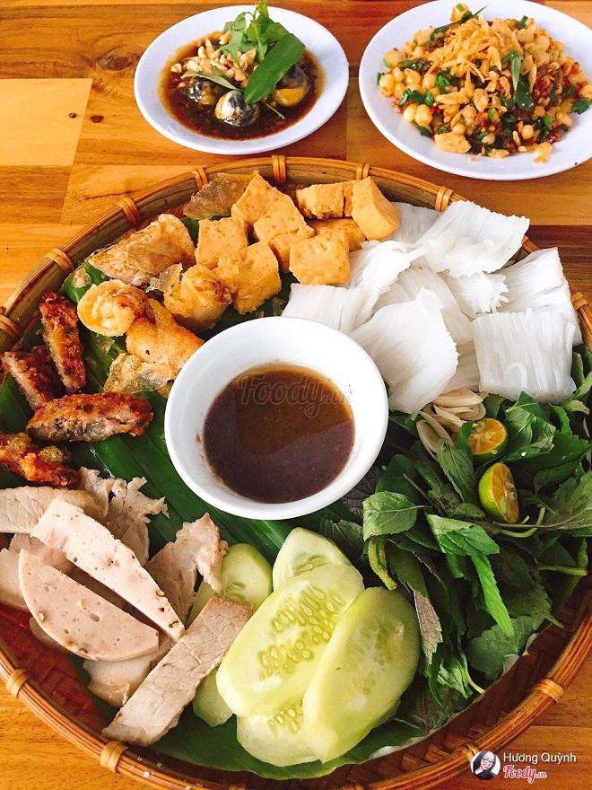 Bún mắm nêm thịt luộc và 6 món bún khô dễ ăn ngày mát