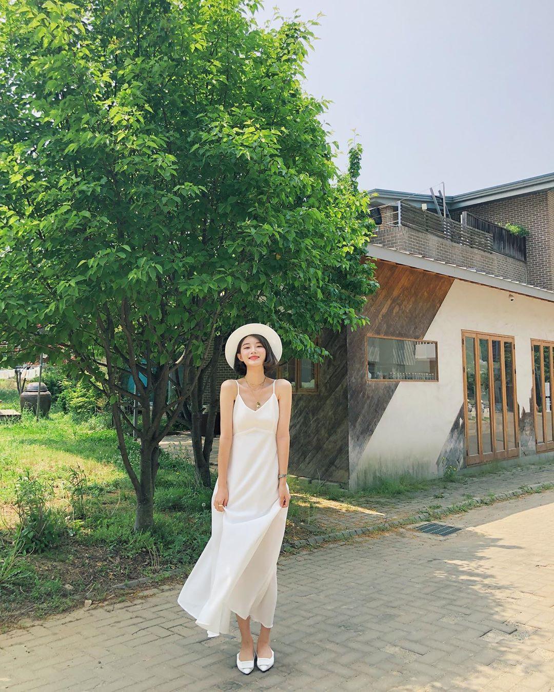 Nô nức diện váy thô mùa hè cho mát, muốn mặc đẹp hãy tham khảo 15 bộ đồ từ street style Châu Á này