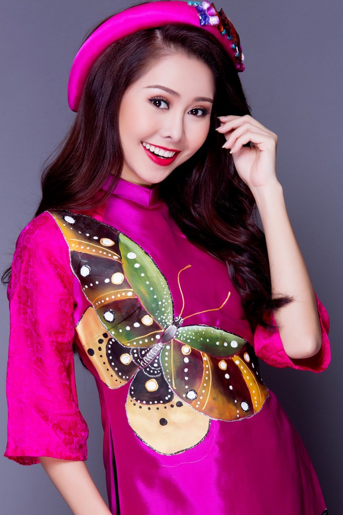Danh tính MC mới của 'Confetti Việt Nam': Mỹ nhân cùng thời Hà Tăng, từng gây xôn xao với chiếc mũi lệch xiêu vẹo