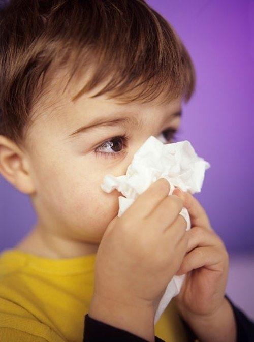Cách làm sạch mũi giúp trẻ dễ thở