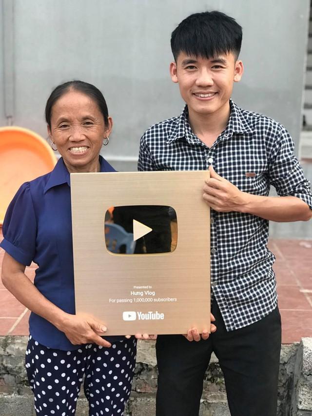 Kênh YouTube 'Bà Tân Vlog' đã được bật kiếm tiền, thu nhập mỗi tháng 300 triệu không còn xa?