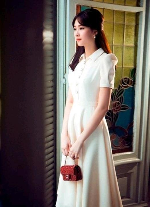 Á hậu Hong Kong lần đầu đi sự kiện cùng người tình tỷ phú - VnExpress Giải Trí