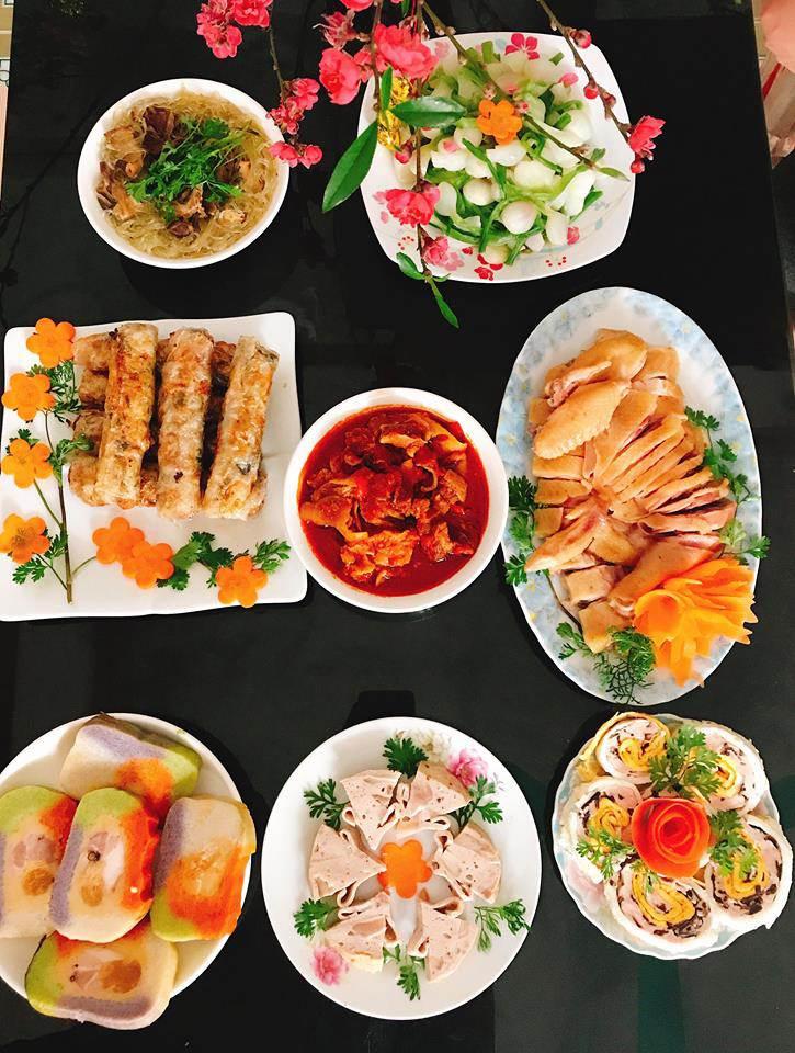 9X gác việc ngàn USD mở quán cơm của 'tập đoàn gia đình' giữa Sài Gòn