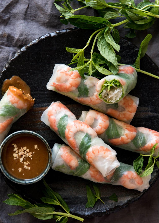Cách làm gỏi cuốn tôm thịt giải nóng ngày hè - VietNamNet