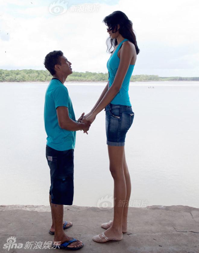 Chuyện tình chàng 1m50, nàng 1m70 và bộ ảnh cưới khiến nhiếp ảnh đau đầu