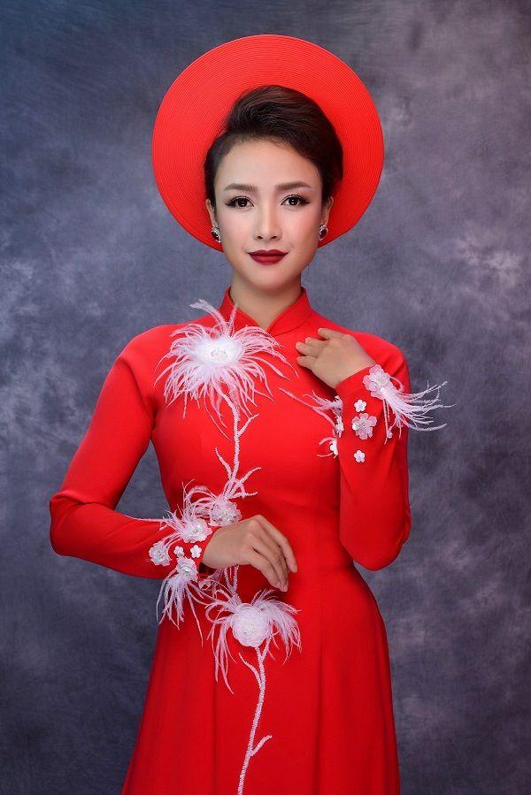 Lê Bê La giảm 17kg tự tin khoe dáng trong áo dài cưới truyền thống