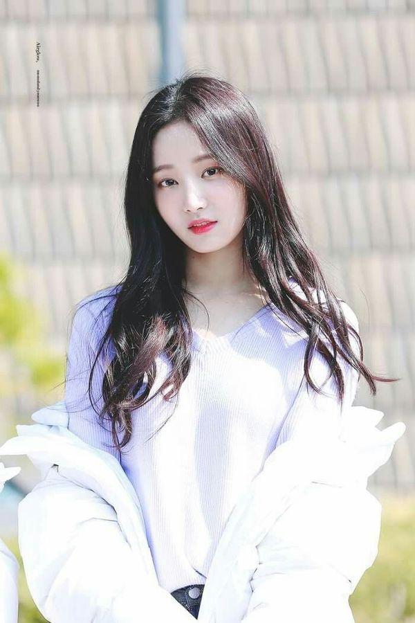 Yeonwoo (MOMOLAND) tiết lộ những khó khăn khi trở thành một idol Hàn Quốc