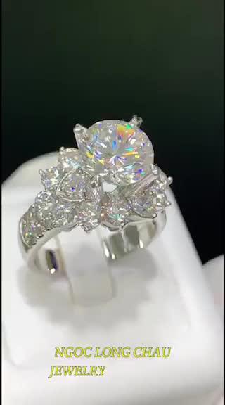 Kim cương nhân tạo Ngọc Long Châu
