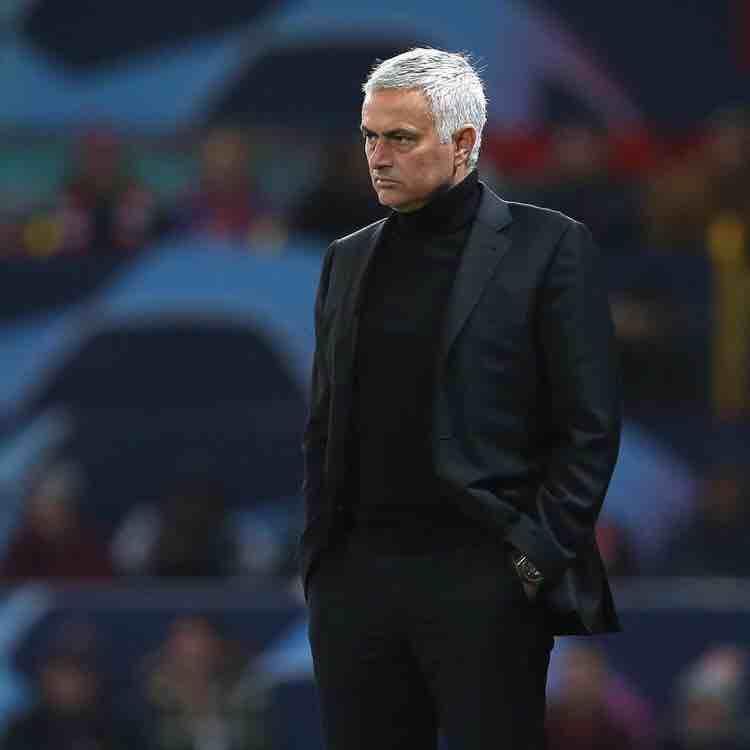 """Biến lớn ở Real Madrid: Mourinho công khai """"thả thính"""", mưu lật ghế Zidane-Bóng đá 24h"""