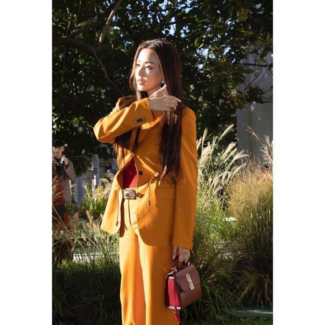 Hoa hậu đẹp nhất thế giới Hàn Quốc có style đời thường mộc mạc khác hẳn trên thảm đỏ