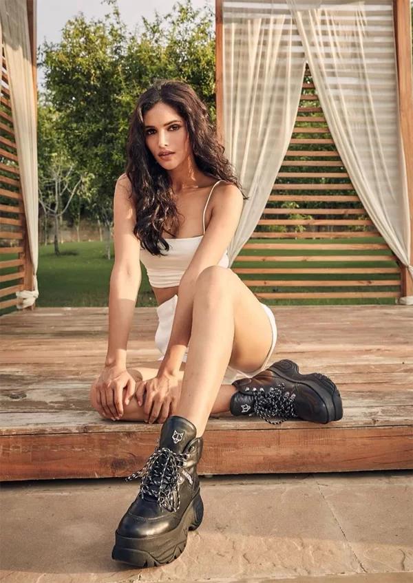 Hoa hậu Hoàn vũ Ấn Độ 2019 - đối thủ mạnh của Hoàng Thùy