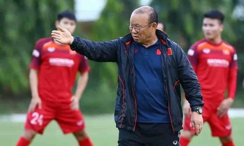 Ông Vũ Mạnh Hải: 'Việt Nam cần nương vào lối chơi quyết liệt của Malaysia' - VnExpress