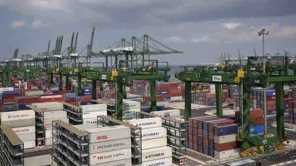 Việt Nam xuất siêu 7,15 tỷ USD trong 9 tháng