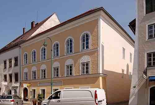 Ngôi nhà nơi Hitler được sinh ra ở Áo - iVIVU.com
