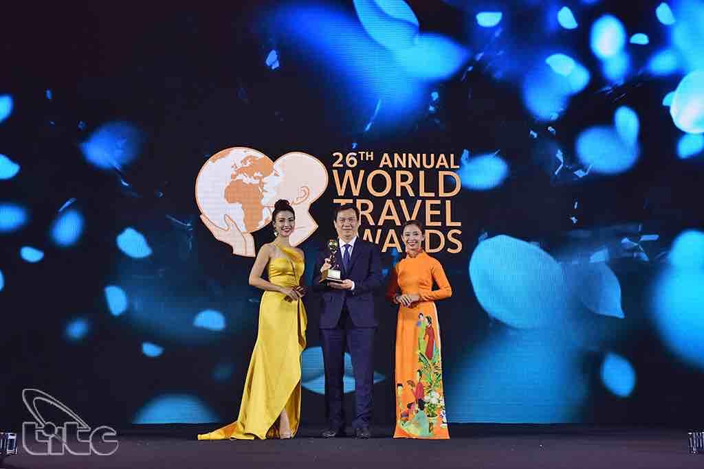 Việt Nam nhận 'cơn mưa' giải thưởng du lịch quốc tế