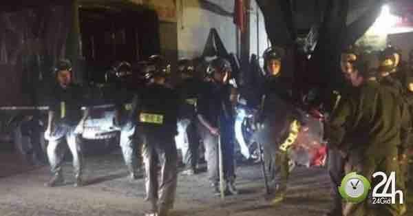 Án mạng kinh hoàng ở HN: Thanh niên vác dao chém thương vong 2 hàng xóm