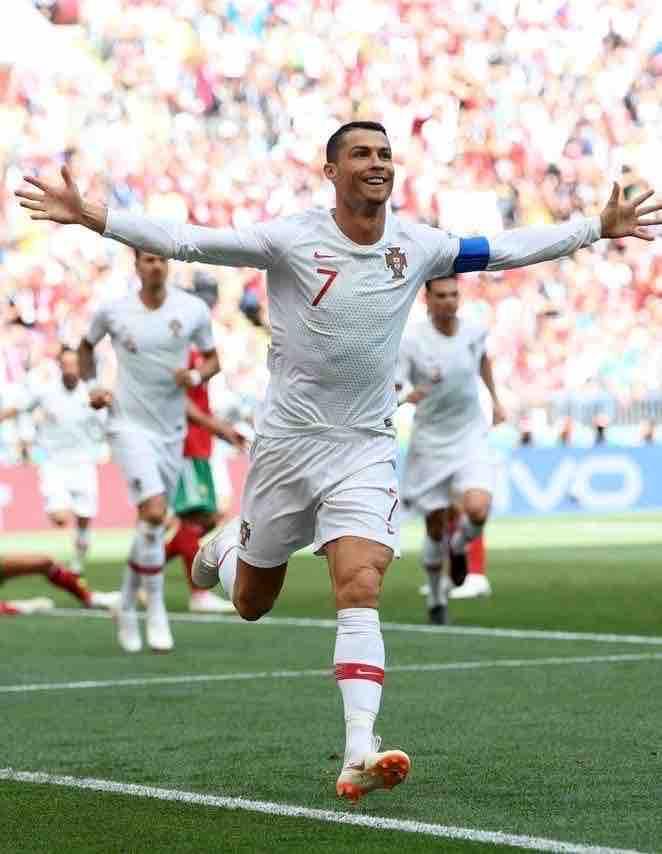 Video highlight trận Ukraine - Bồ Đào Nha: Ronaldo cán mốc lịch sử, phủ đầu choáng váng