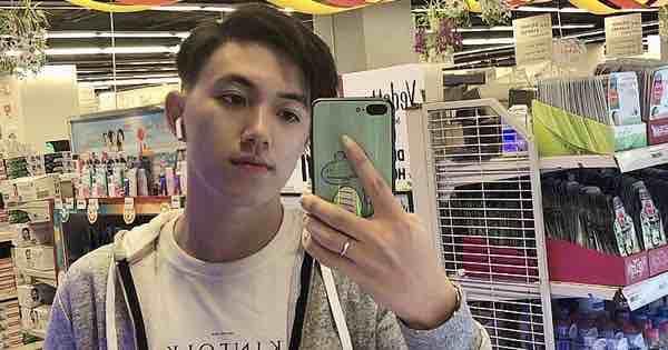 Thầy giáo tiếng Trung siêu cấp điển trai như oppa Hàn Quốc khiến hội chị em phát cuồng: Thông thạo 3 ngôn ngữ, start-up từ khi mới năm hai