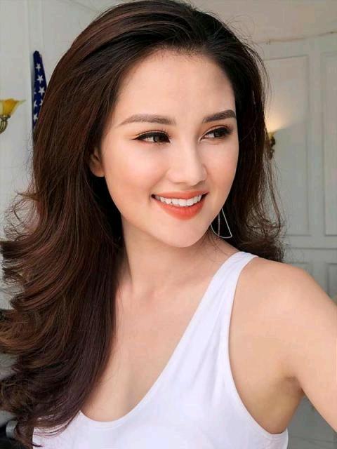 Người mẫu Quỳnh Châu: 'Tôi sốc khi bạn trai chủ động chia tay'