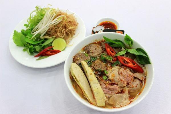 Những món ăn ngon giá bình dân ở xứ Huế