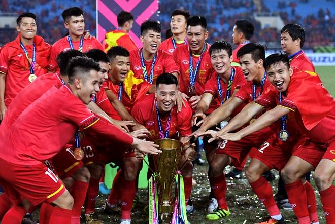 """""""Messi Thái"""" tự tin cùng """"Voi chiến"""" đại náo Malaysia và Việt Nam-Bóng đá 24h"""