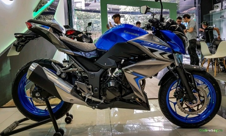 New Kawasaki Z300 - Official Video