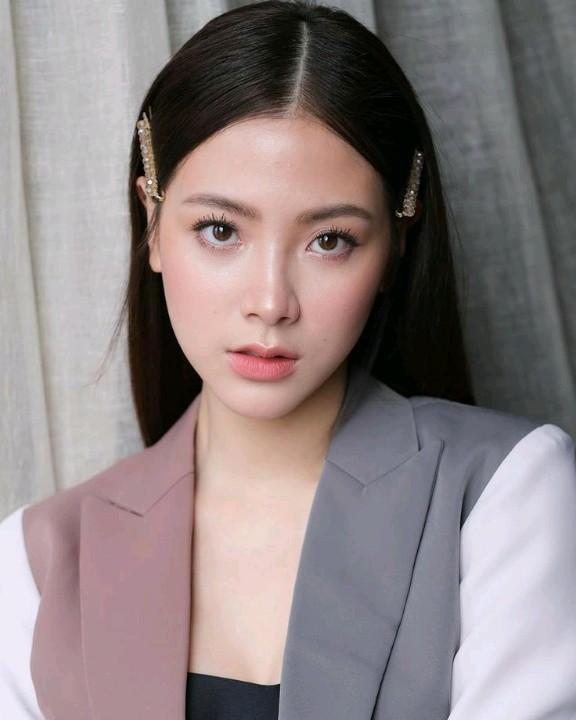 Cách để tóc layer đẹp mê mẩn của mỹ nhân đẹp nhất Thái Lan Baifern Pimnachok