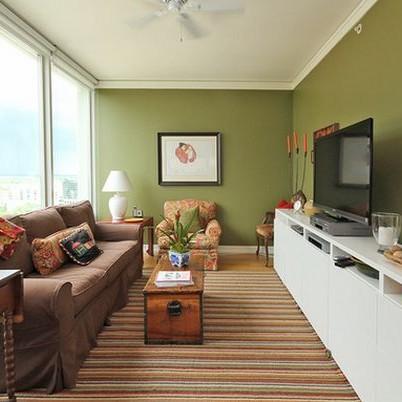 Phòng khách nhà ống với ý tưởng màu sắc thông minh