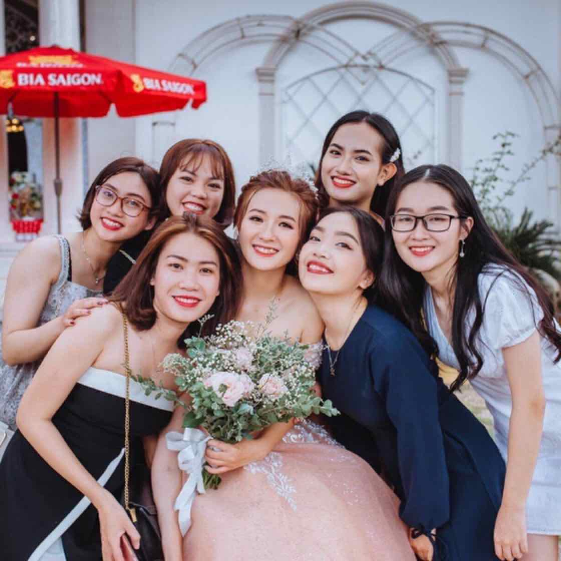 Minh Miinh - Hội người trẻ neo đơn bền bỉ chúng tui rất vui mừng thông báo đã gả được bạn, và sắp loại thêm một đứa vào năm sau : 