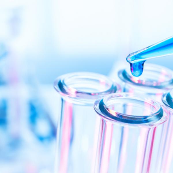 Lợi ích của việc sử dụng dược mỹ phẩm để dưỡng da