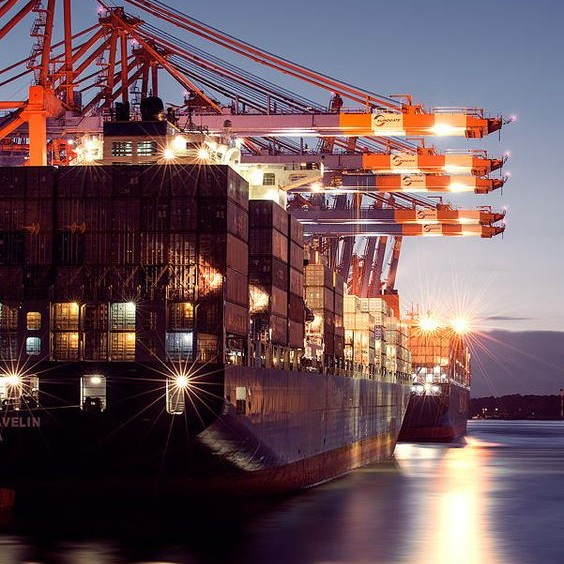 Sức cung vượt cầu của các hãng tàu trên thế giới