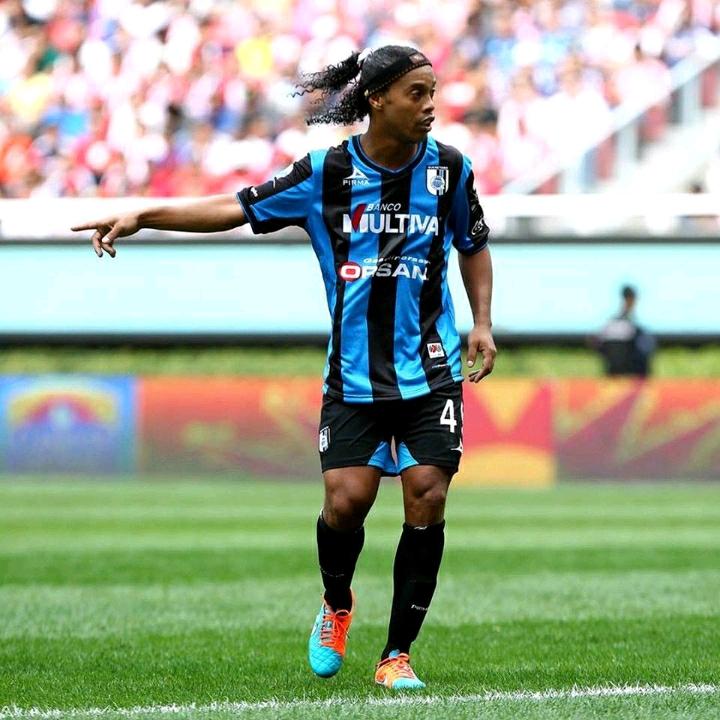 Ronaldinho - 31 năm thăng trầm