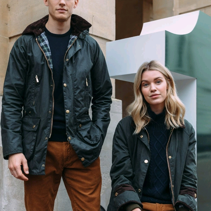 12. BARBOUR