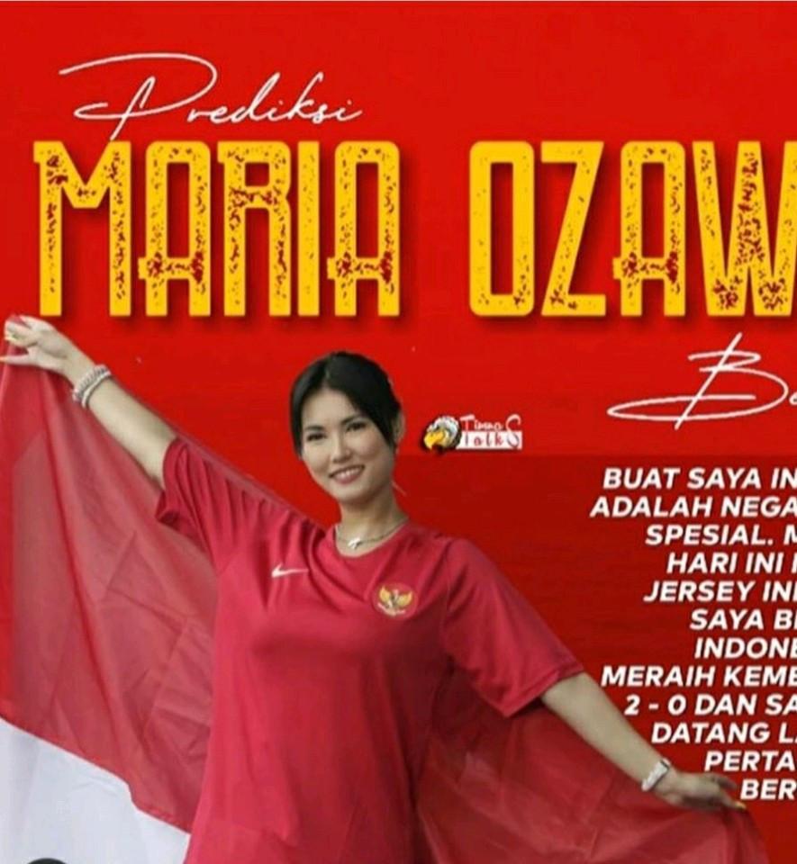 'Thánh nữ' Maria Ozawa ra sân cổ vũ trận Việt Nam - Indonesia