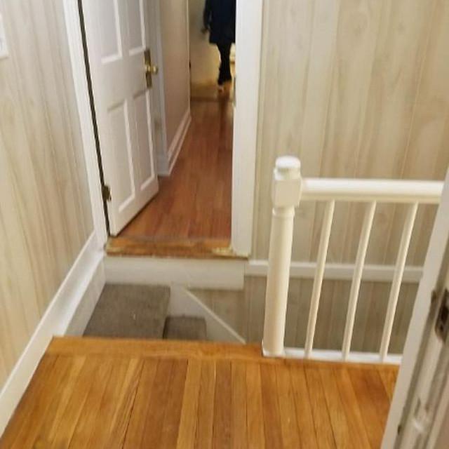 Cầu thang được thiết kế ngay trước cửa,