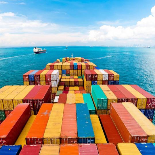 Nhu cầu vận chuyển hàng hóa thế giới tăng