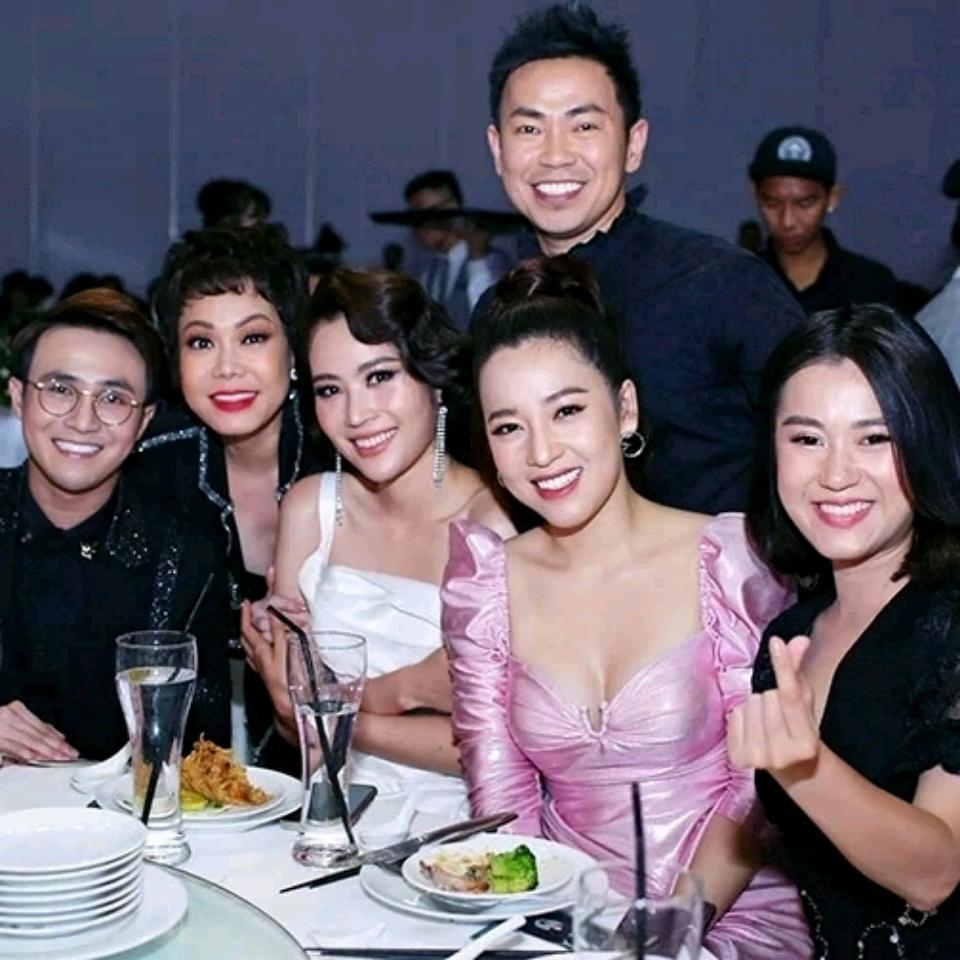 Dàn sao dự tiệc của Việt Hương<br><br>