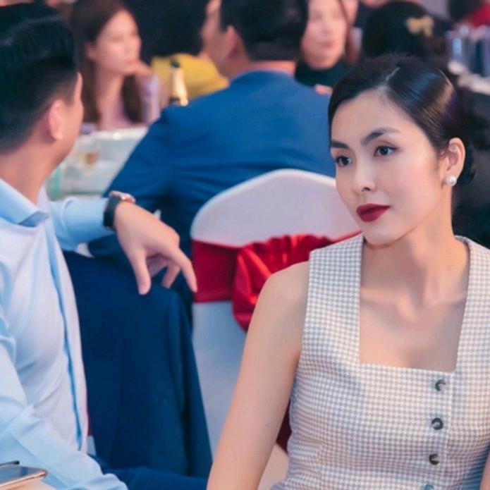 Tăng Thanh Hà tại đại tiệc cuối năm của gia đình chồng