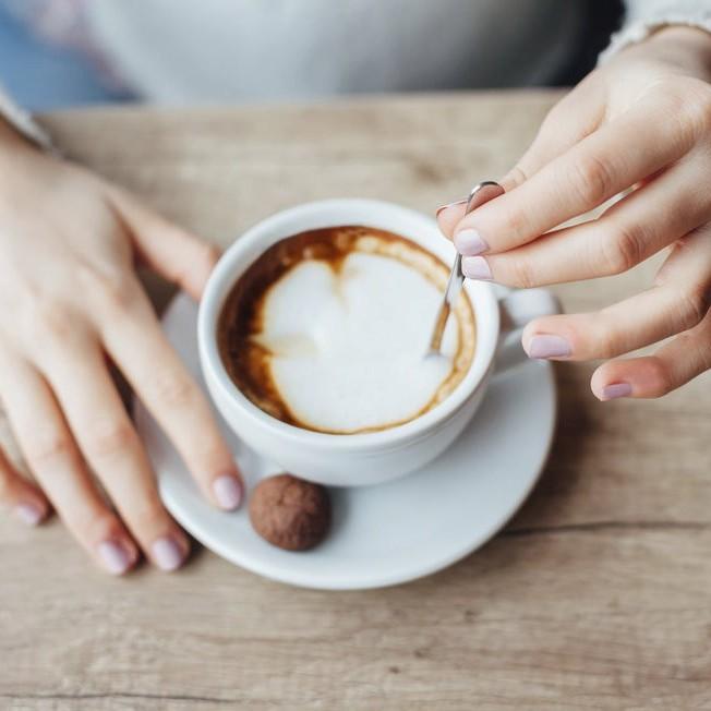 Uống cà phê liên tục