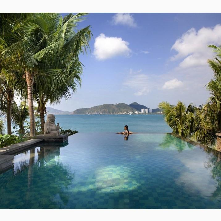 Bể bơi khách sạn Mandarin Oriental