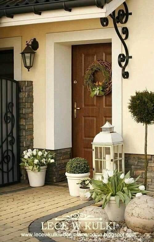 Mỗi căn nhà là một cánh cổng nó thể hiện cá tính của chủ nhân ngôi nhà đó.