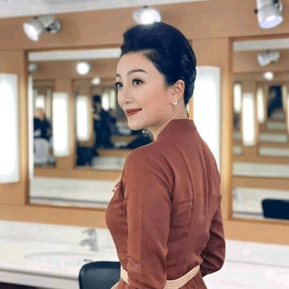 Ca sĩ Phạm Thu Hà lên sóng Giai Điệu Tự Hào với thời trang của Q & H💚
