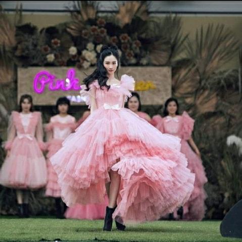 Jun Vũ tung váy điệu nghệ với đầm công chúa.