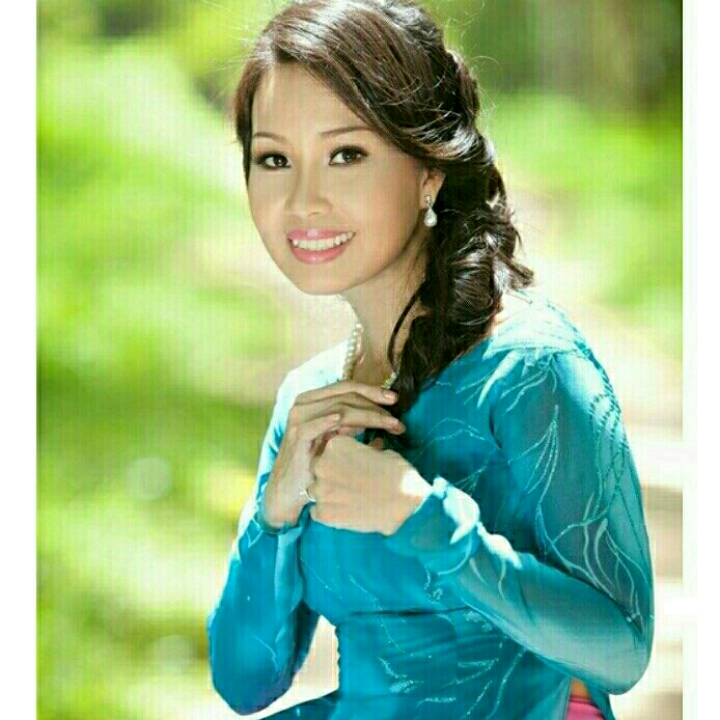 cẩm Ly là một nữ ca sĩ Việt Nam thuộc dòng nhạc nhạc trữ