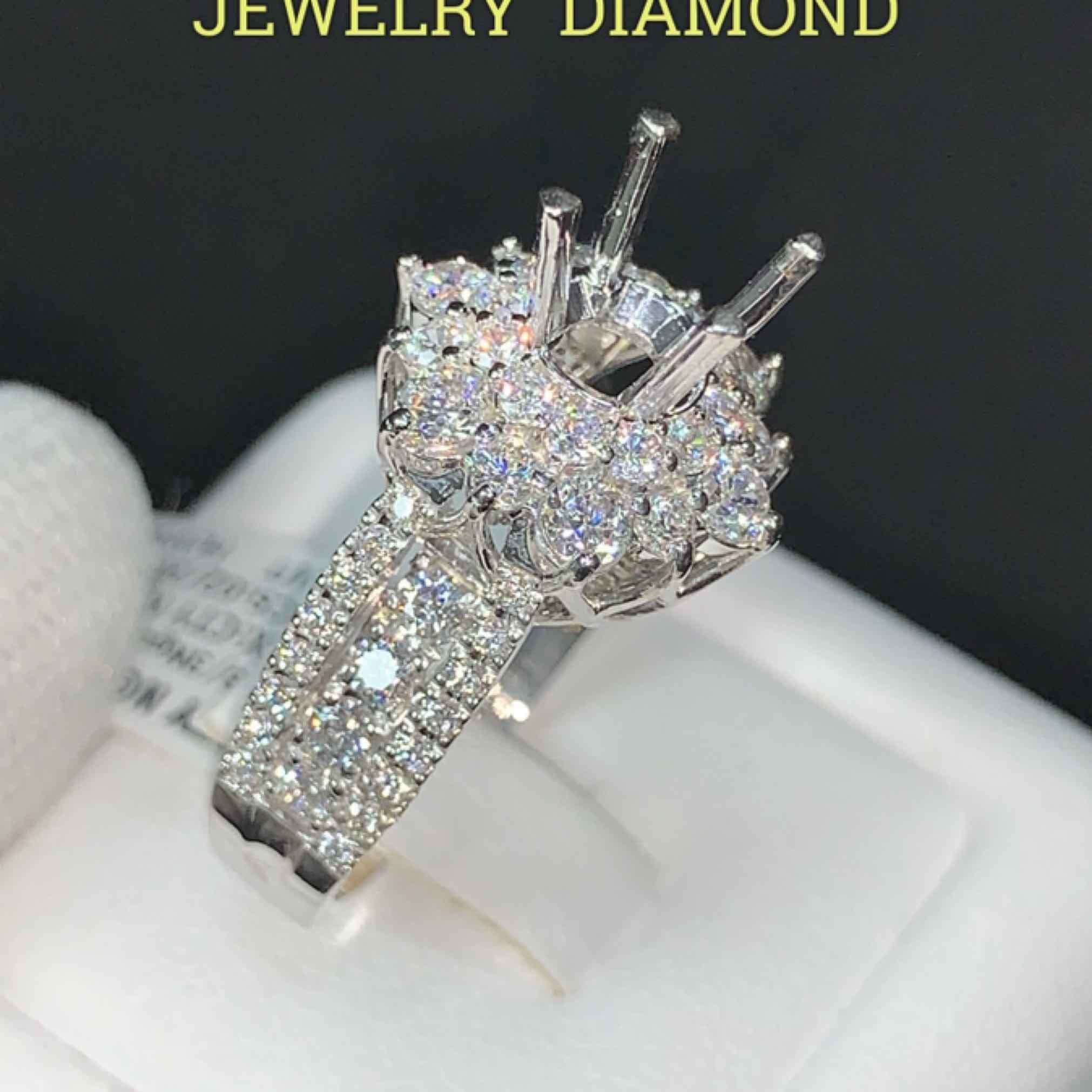 Ngọc Long Châu Diamond Lucky Diva
