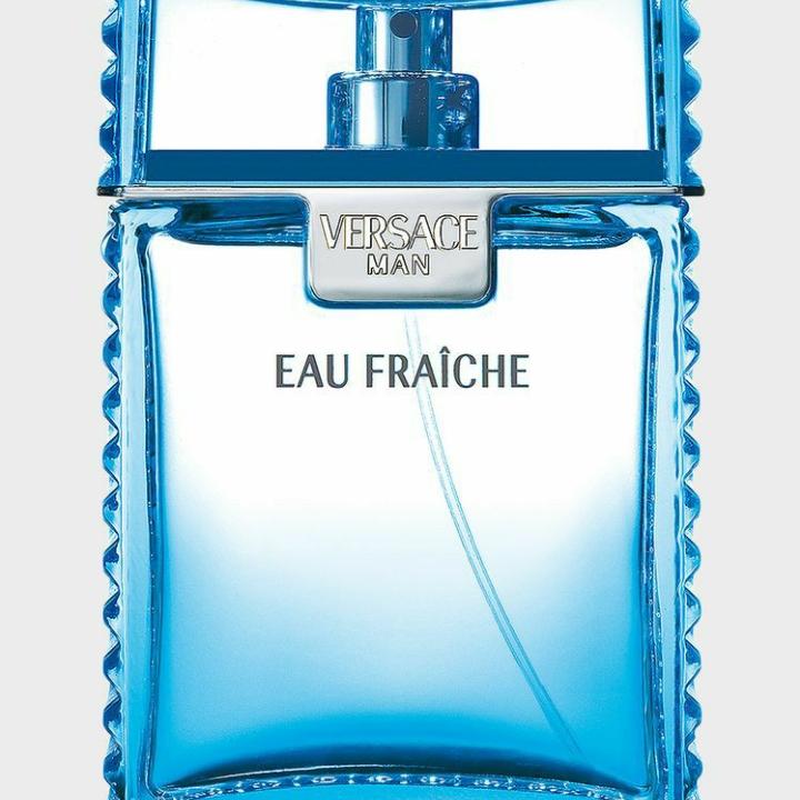 3. Versace Man Eau Fraiche của Versace