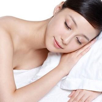 Một giấc ngủ ngon sẽ hữu ích hơn những lọ kem dưỡng