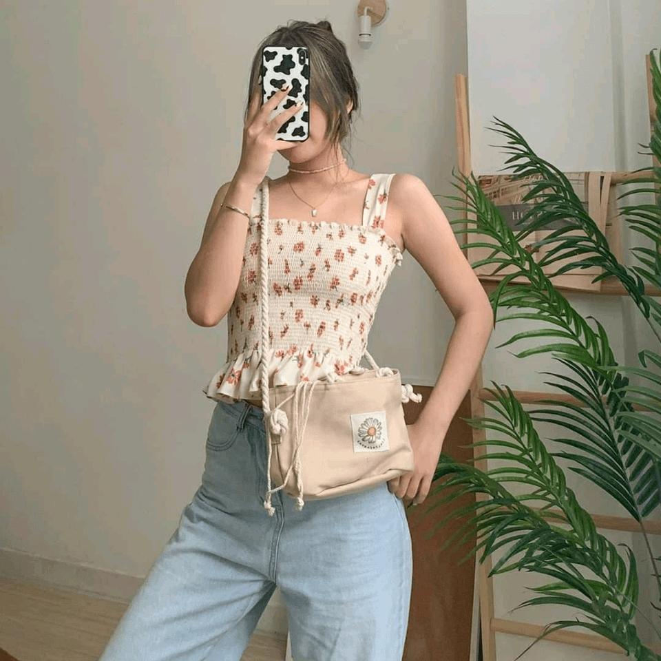 @quynhlem lookin' cute in  DAISY BAG